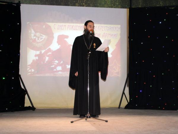 Выступает отец Сергий Шерфетдинов